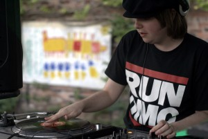Rory Hoy playing records on some decks
